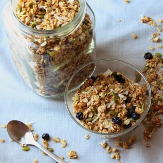 pumpkin seed granola with dried blueberries