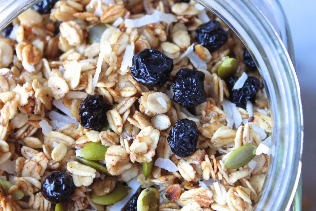 naturally sweetened homemade granola