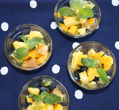 http://www.fuchsiafreezer.ca/2015/03/citrus-mint-fruit-salad/