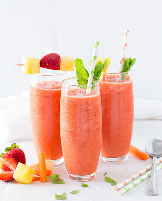 http://thechunkychef.com/tropical-carrot-smoothie