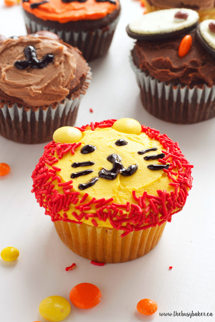 Zoo Animal Cupcakes Tutorial www.thebusybaker.ca