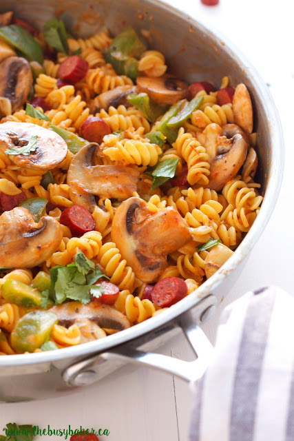 one pot pasta dinner with pepperoni and mushrooms