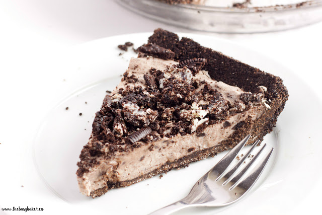 No Bake Oreo Cheesecake Pie www.thebusybaker.ca