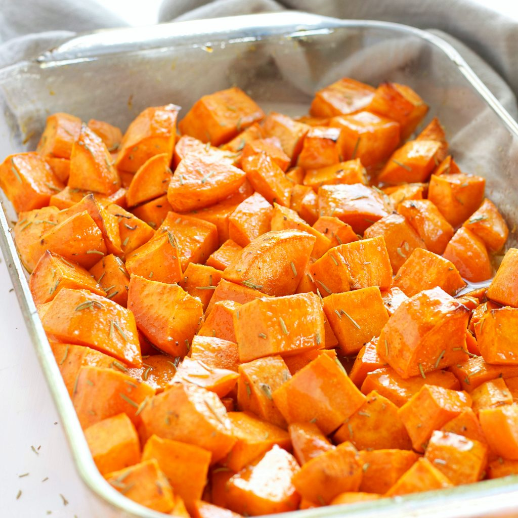 how to make roasted sweet potatoes with maple syrup