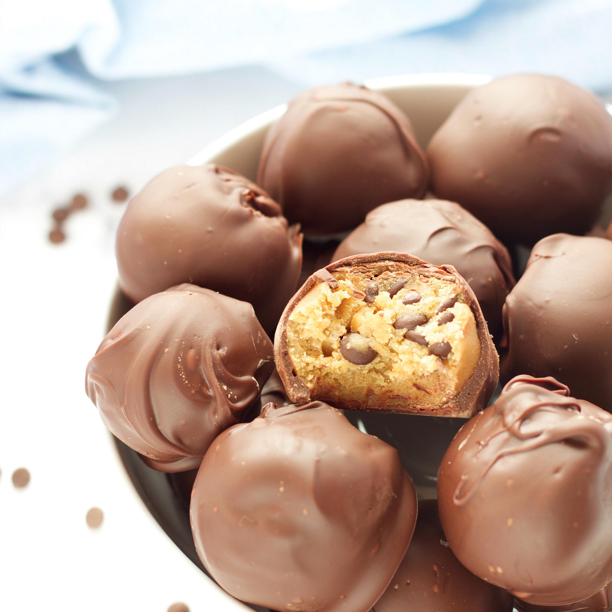 No Bake Chocolate Cookie Balls