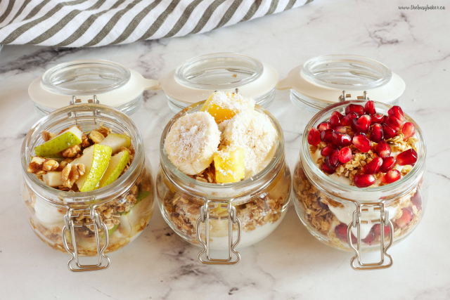These Breakfast Fruit and Granola Parfaits (Basic Homemade Granola Recipe) are the perfect healthy, wholesome breakfast every day of the week! Recipes from www.thebusybaker.ca