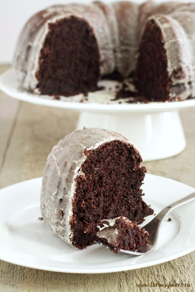 http://www.thebusybaker.ca/2016/10/glazed-chocolate-donut-bundt-cake.html