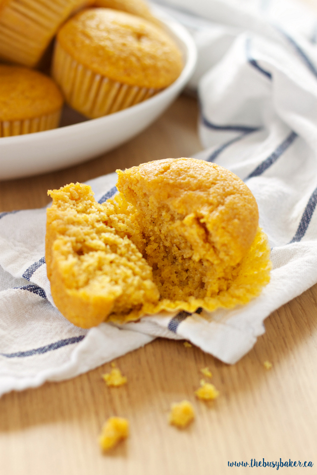 These Healthy Pumpkin Cornbread Muffins make a delicious easy to make snack, but they're best served alongside your favourite soup, stew or chili! Recipe from thebusybaker.ca!