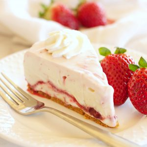 Easy No Bake Strawberry Swirl Cheesecake