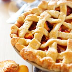 Easy Classic Peach Pie