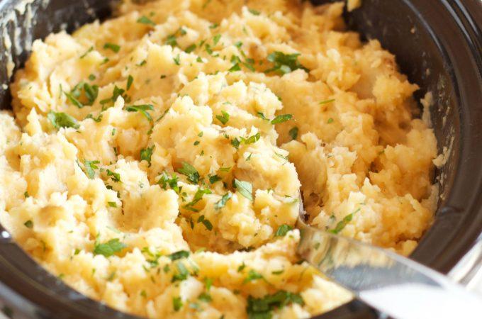 Rustic Slow Cooker Garlic Mashed Potatoes