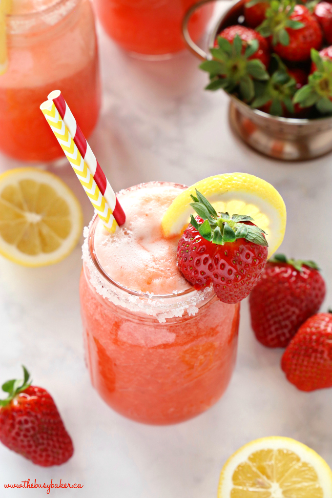 Healthy Strawberry Lemonade in mason jar