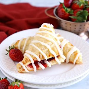 Easy Strawberry Hand Pies