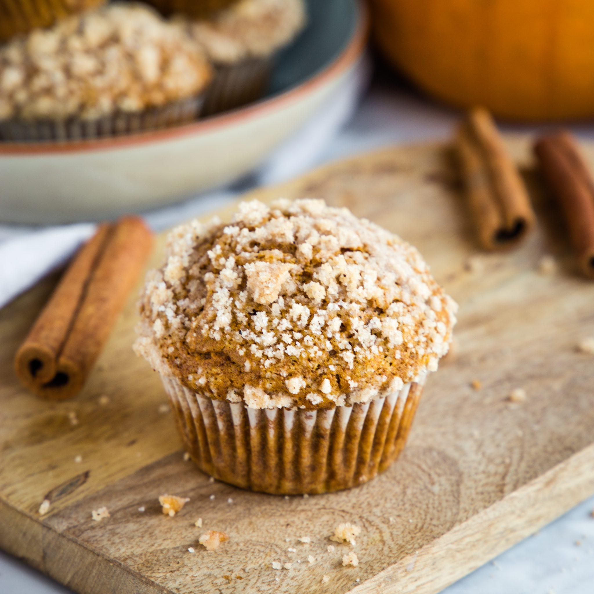 Pumpkin Spice Streusel Muffins (Fall Breakfast) - The Busy ...
