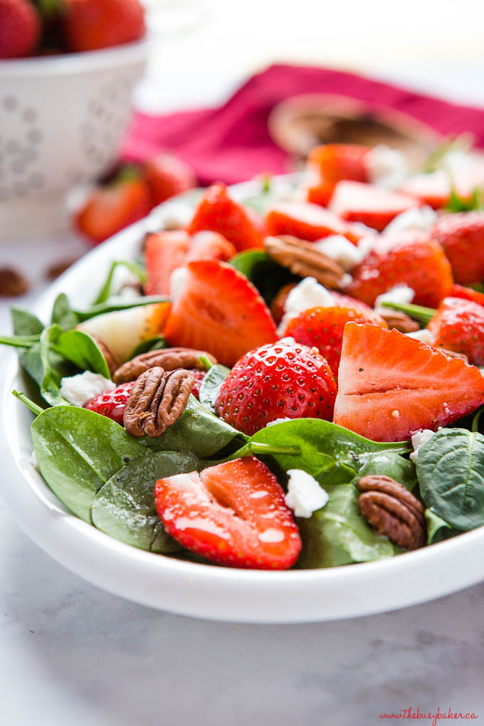 spinach salad with strawberries, goat cheese and pecans