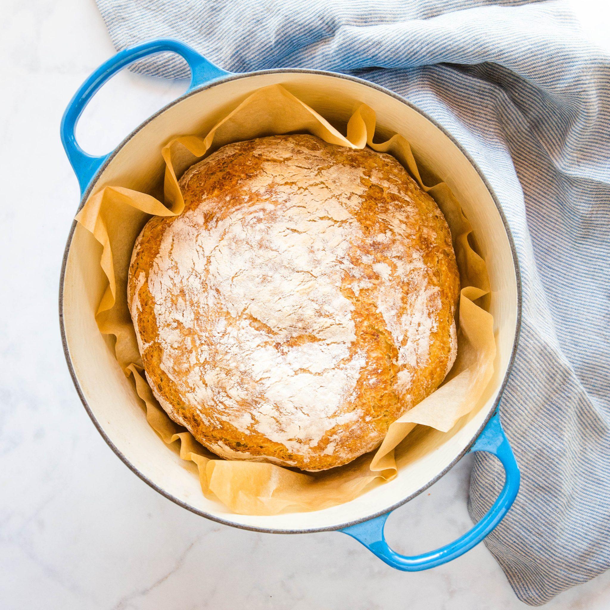 quick no knead bread in Dutch oven