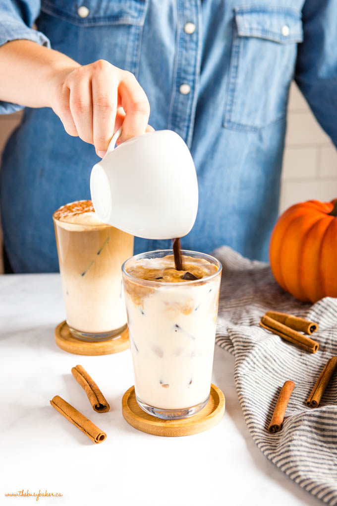 how to make a pumpkin spice iced latte at home